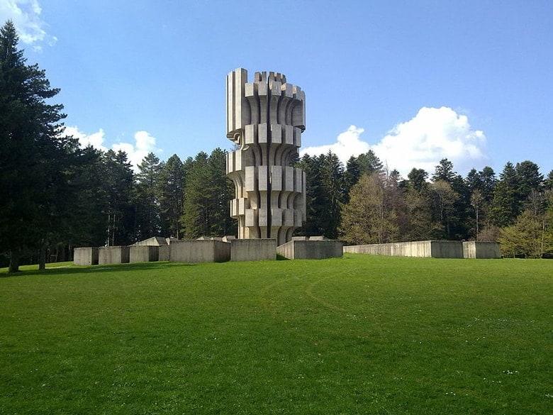 Spomenik Kozara