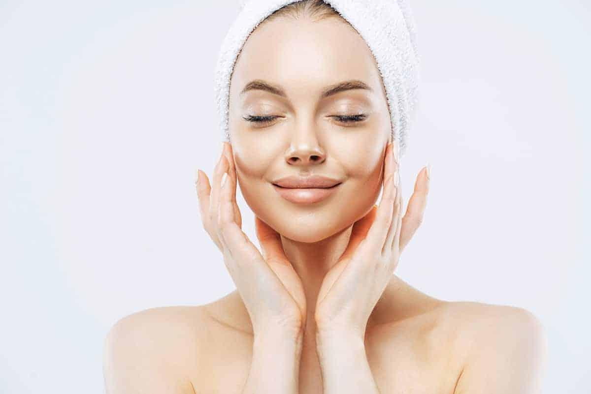 Kako zategnuti kožu na licu i vratu?