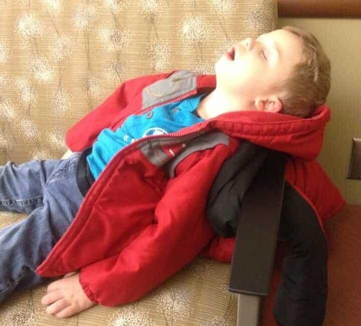 spavanje uspravan polozaj