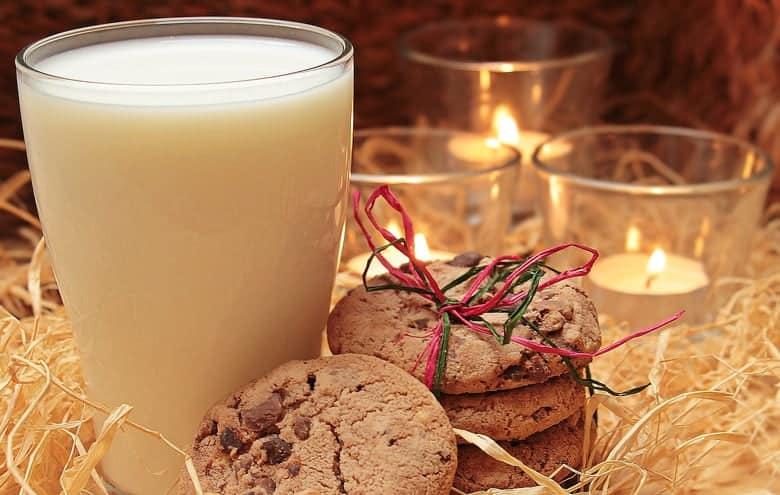 mlijeko i keksi za Djeda Mraza