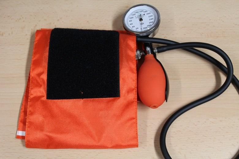 manzetna aparat za mjerenje krvnog tlaka